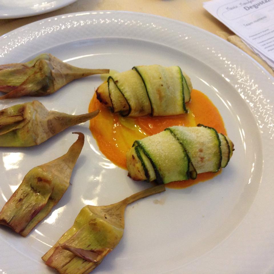 Involtini di zucchine con carciofi